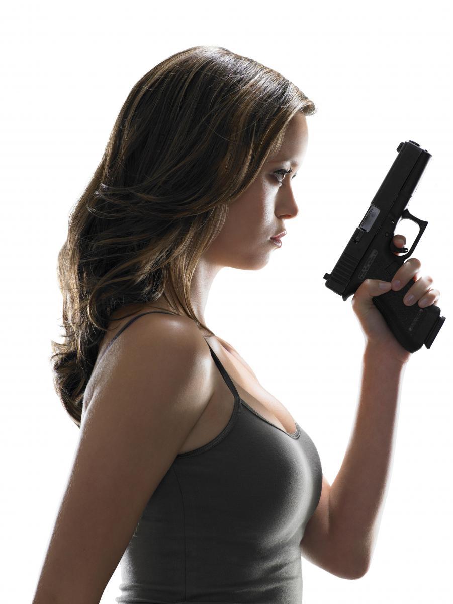 Фото женщины и оружие 19 фотография
